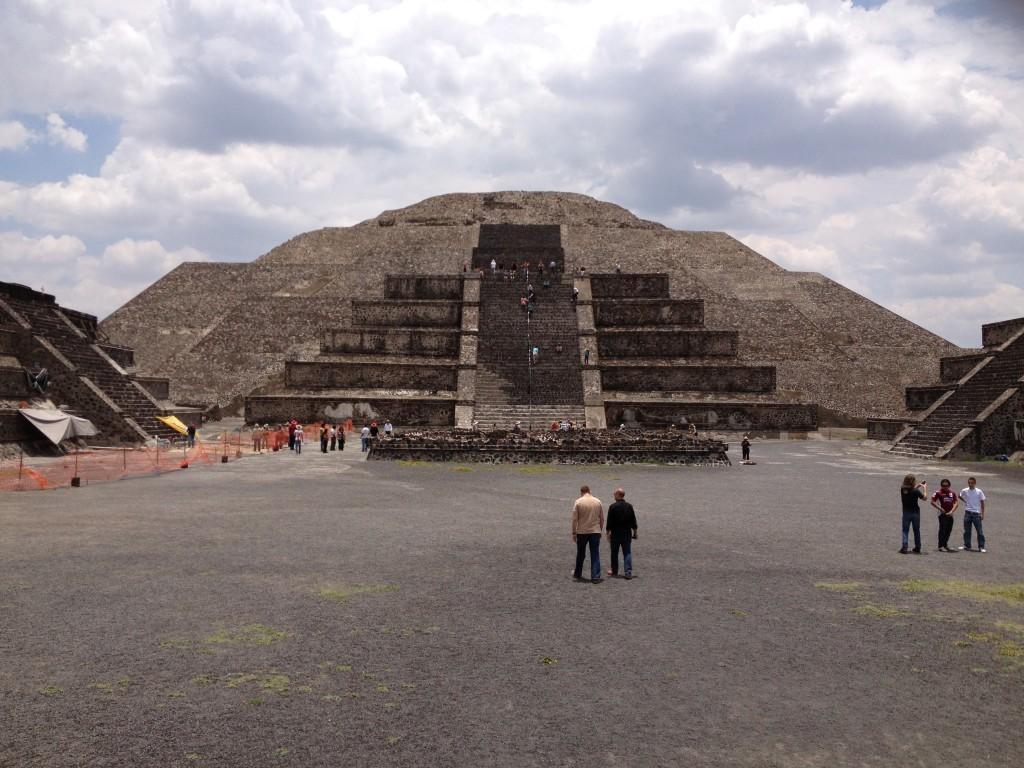 Meksyk Teotihuacan - Piramida Księżyca