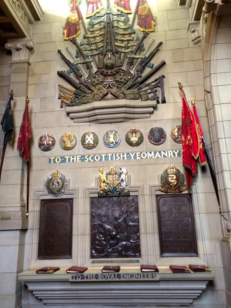 Wewnątrz Scottish National War Memorial, pomnik oddający hołd Szkotom poległym w czasie I wojny światowej.