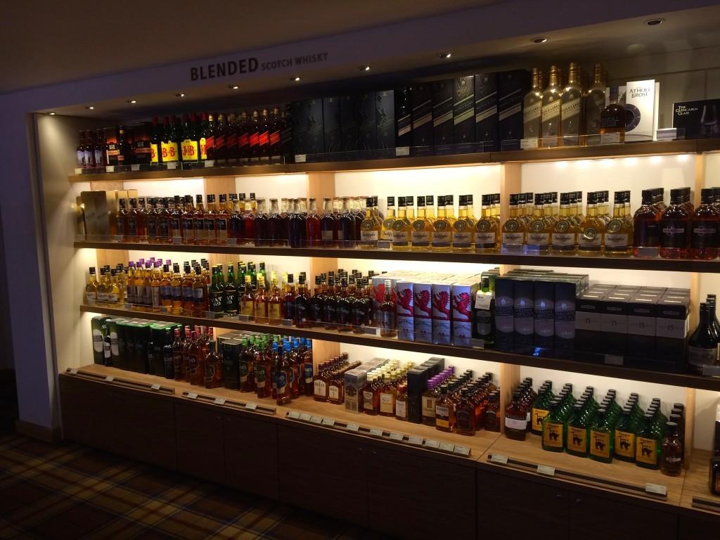 Ekskluzywny sklep w muzeum szkockiej whisky, czyli Scotch Whisky Experience.