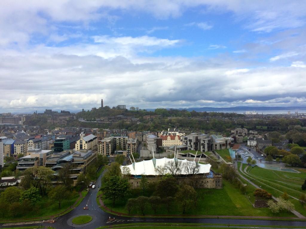 Widok ze wzgórza w Holyrood Park.