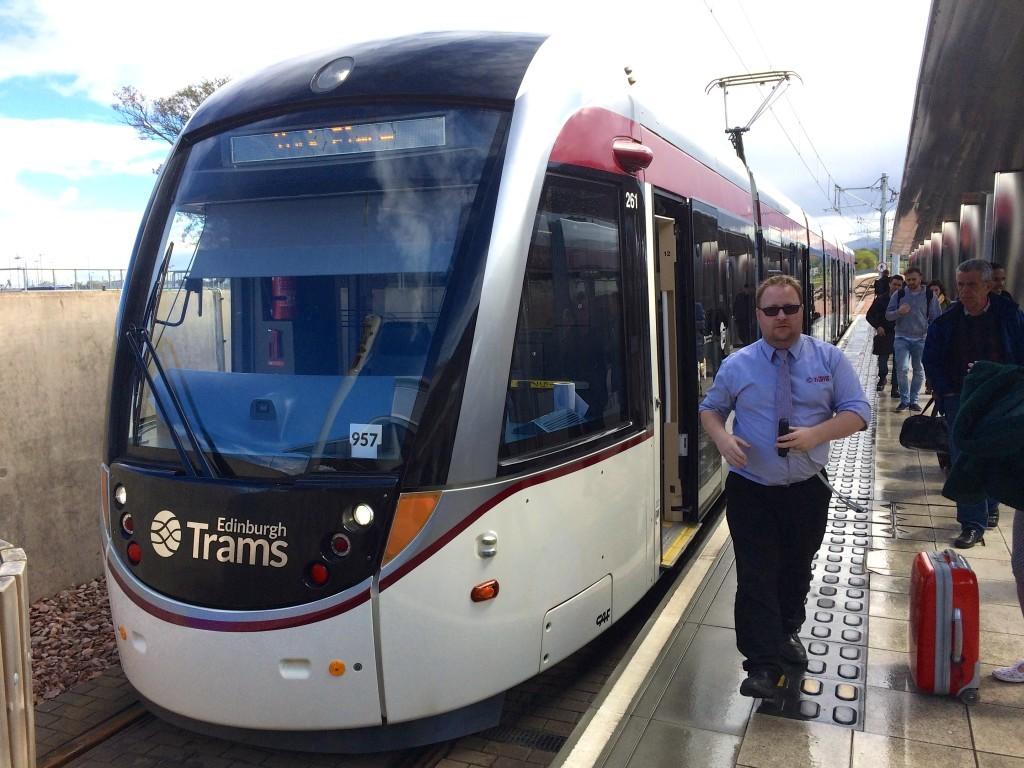 Tramwaj to idealne połączenie pomiędzy lotniskiem a centrum Edynburga.
