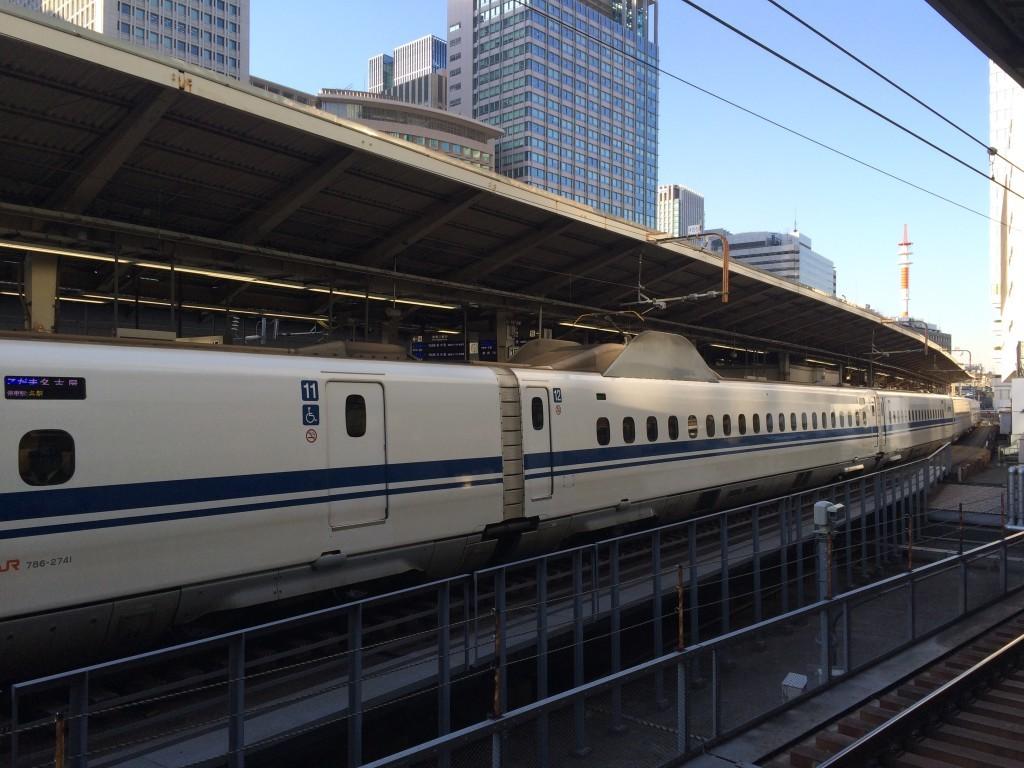 Jeden skład pociągu Shinkansen potrafi liczyć nawet 500 metrów.