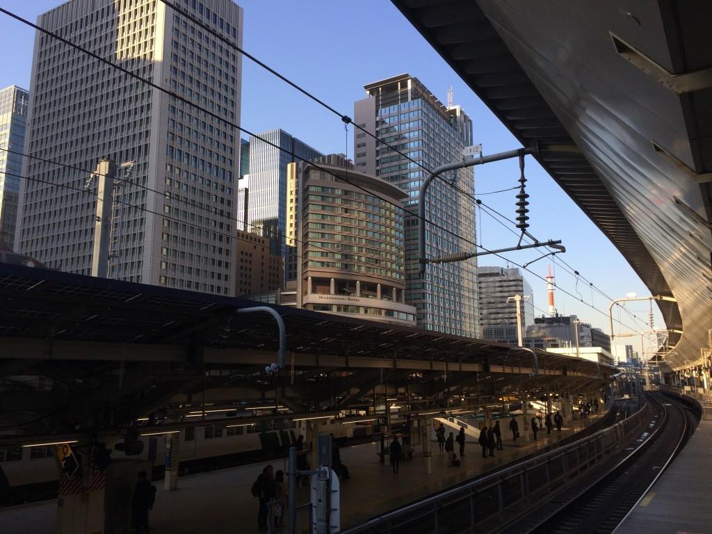 Tory po których poruszają się pociągi Shinkansen na pierwszy rzut oka wyglądają tak samo jak dla normalnych, miejskich pociągów.