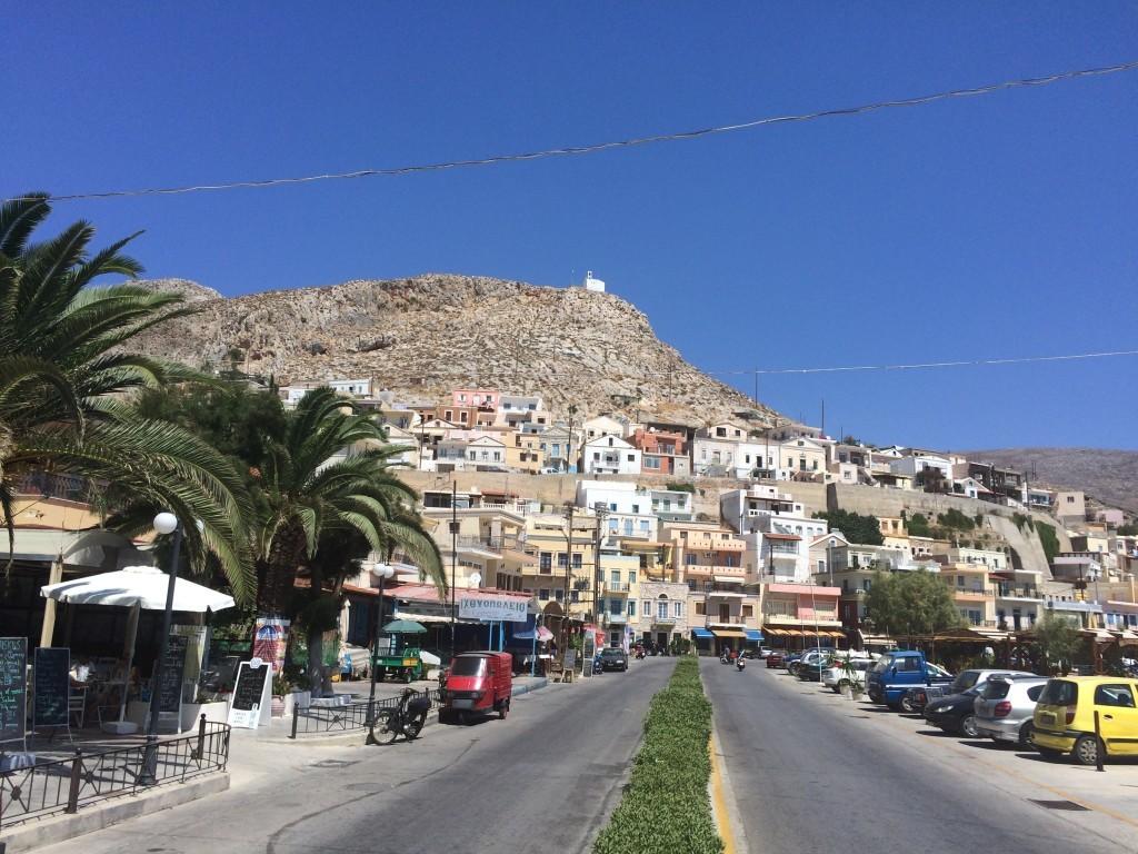 Na samym szczycie góry mieści się bardzo malowniczy grecki kościół.