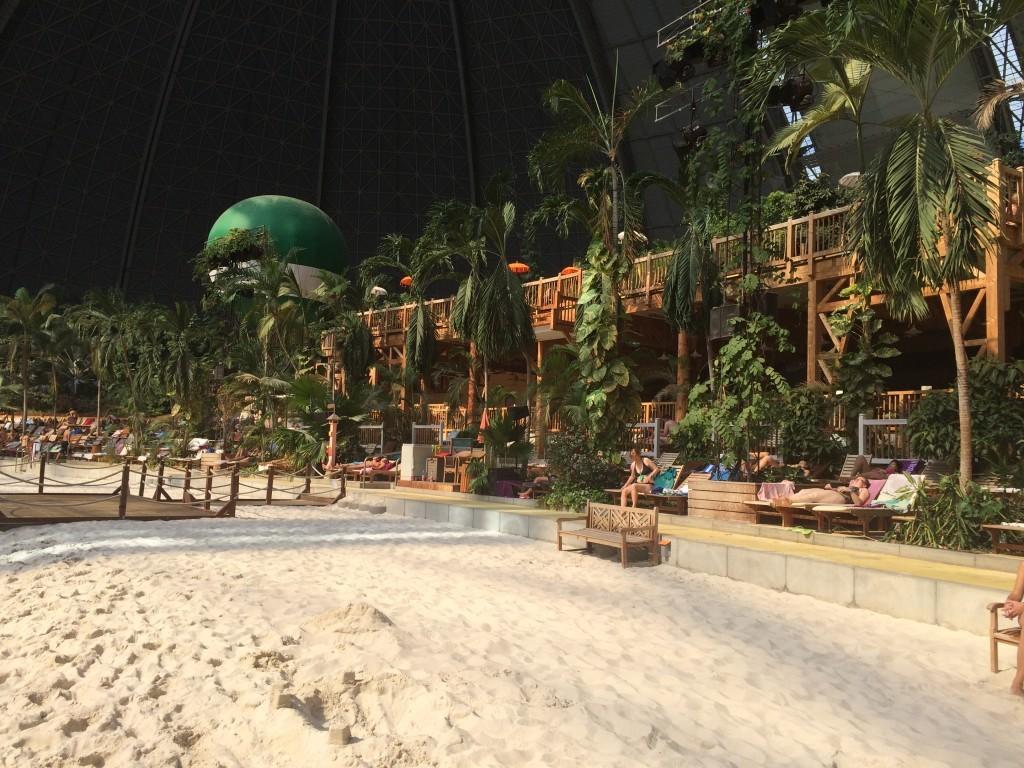 200 metrowa piaszczysta plaża