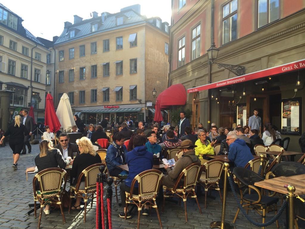 Spacerując po pięknym starym mieście Sztokholmu spodobał mi się klimat lokalnych restauracji i kawiarenek.
