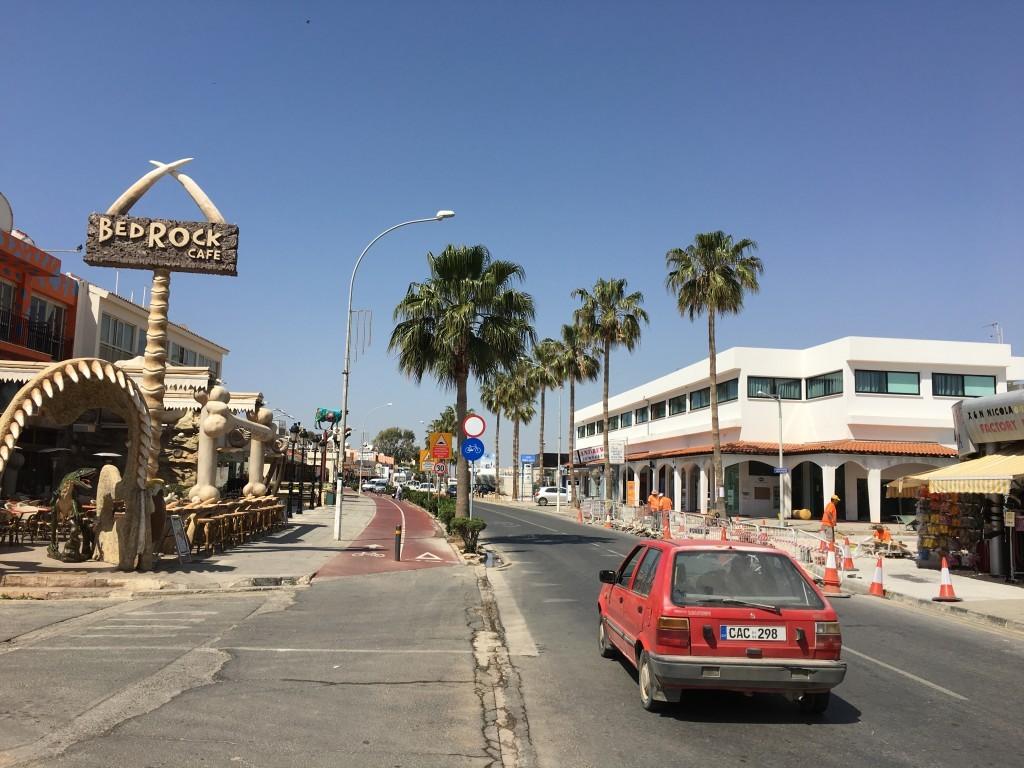 Jest takie miejsce na Cyprze, w którym spełniłem swoje marzenie z dzieciństwa i przeniosłem się w kultowy świat Flinstonów! How cool is that?!