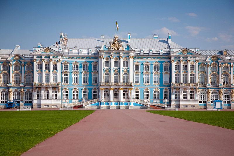 http://www.saint-petersburg.com/pushkin/catherine-palace/
