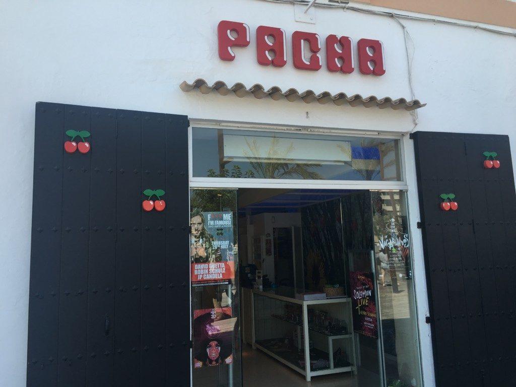 Oficjalny sklep klubu Pacha.