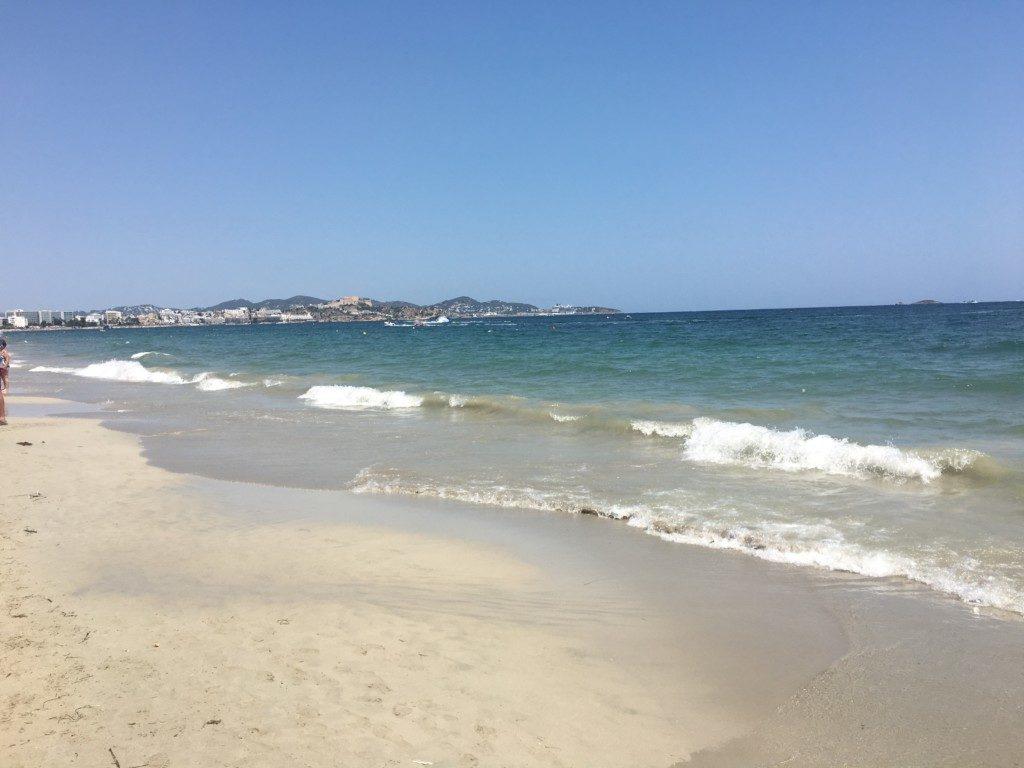 Ibiza prawdziwie imprezowa wyspa - Playa den Bossa