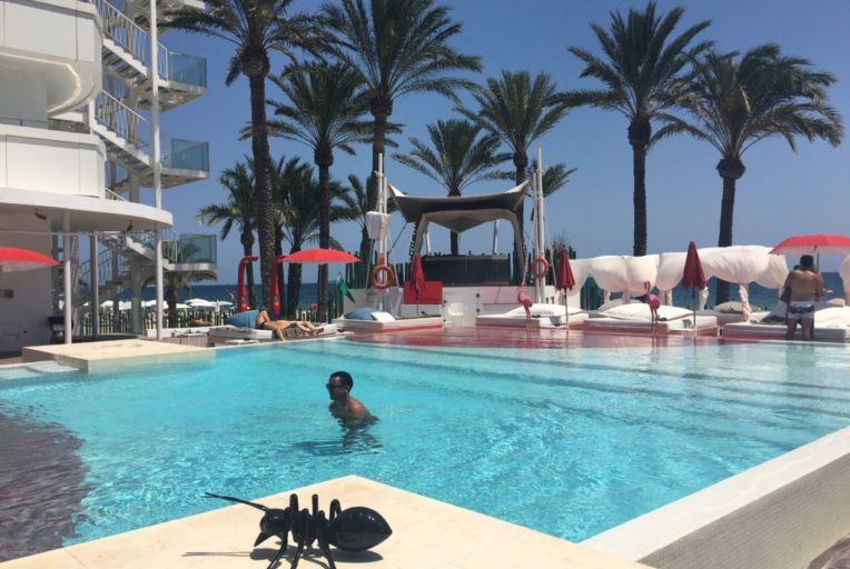 Ibiza prawdziwie imprezowa wyspa - Ushuaia