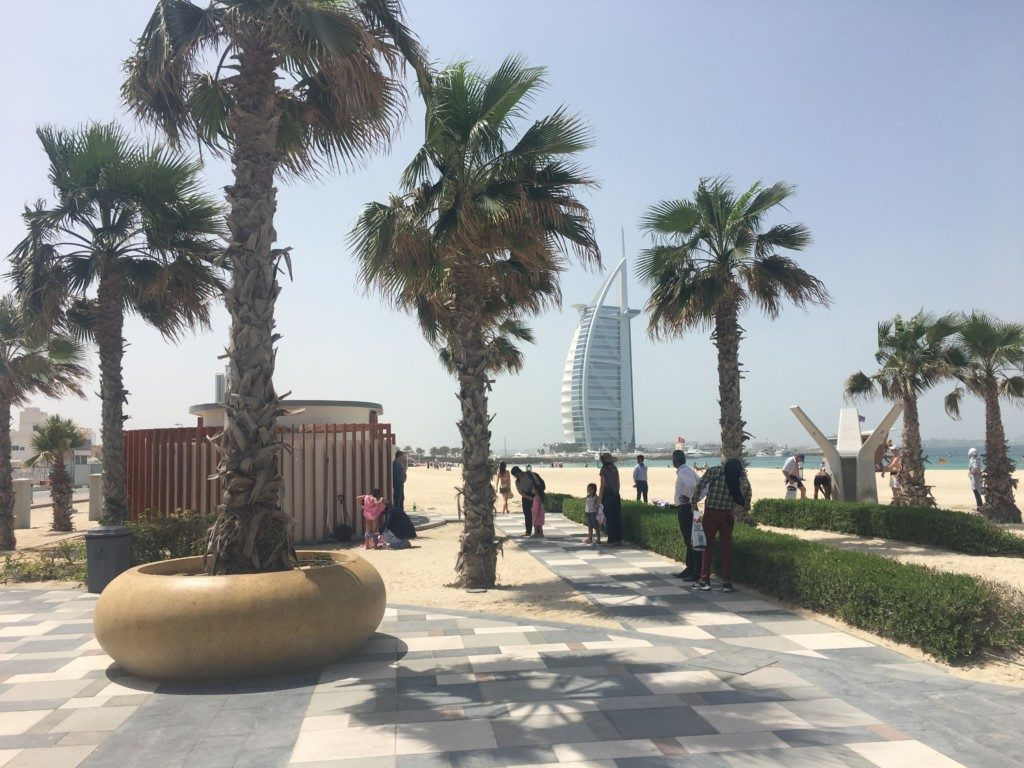 Dubaj Plaża Jumeirah Public Beach przy Burj Al Arab - Sunset Beach