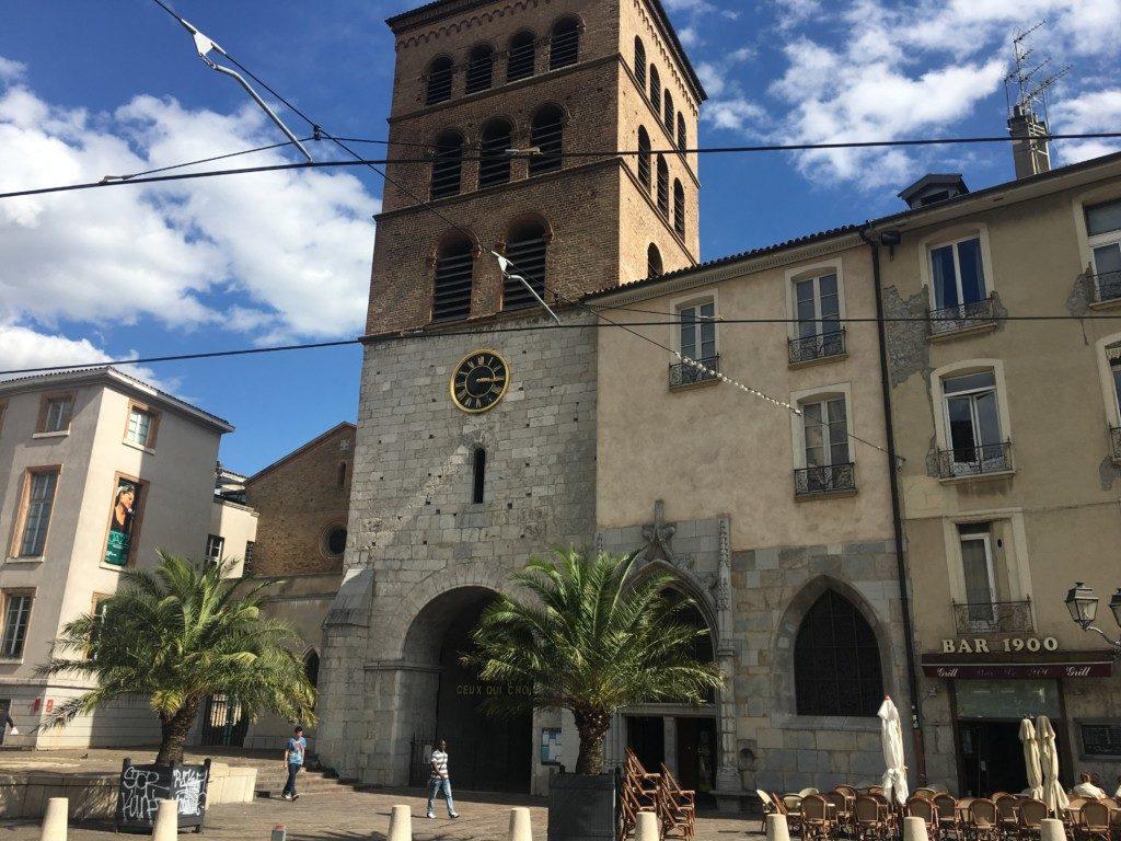 Katedra Notre-Dame w Grenoble.