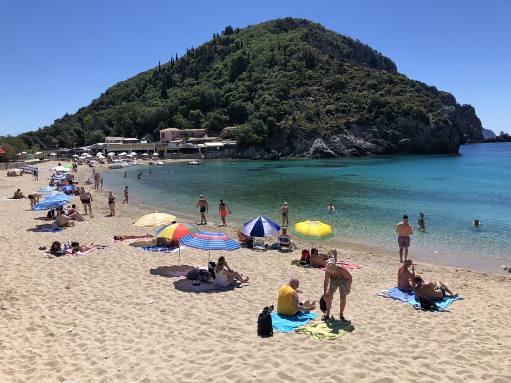 Korfu Paleokastritsa Grecja wyspa plaża Agios Spiridon